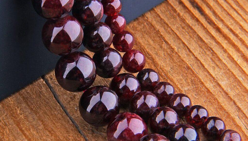 garnet-beads