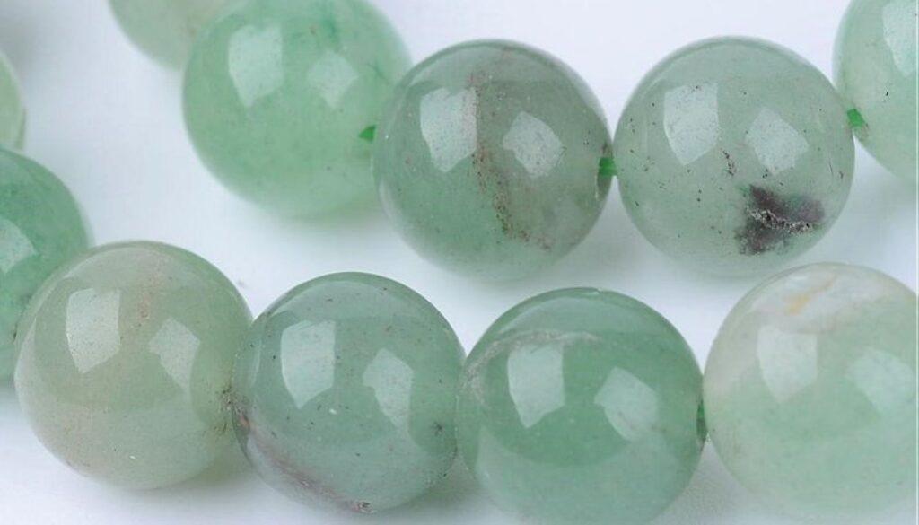 green-aventurine-beads