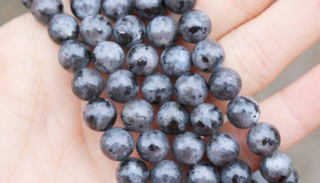 larvikite-beads