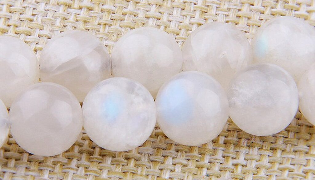 moonstone-beads