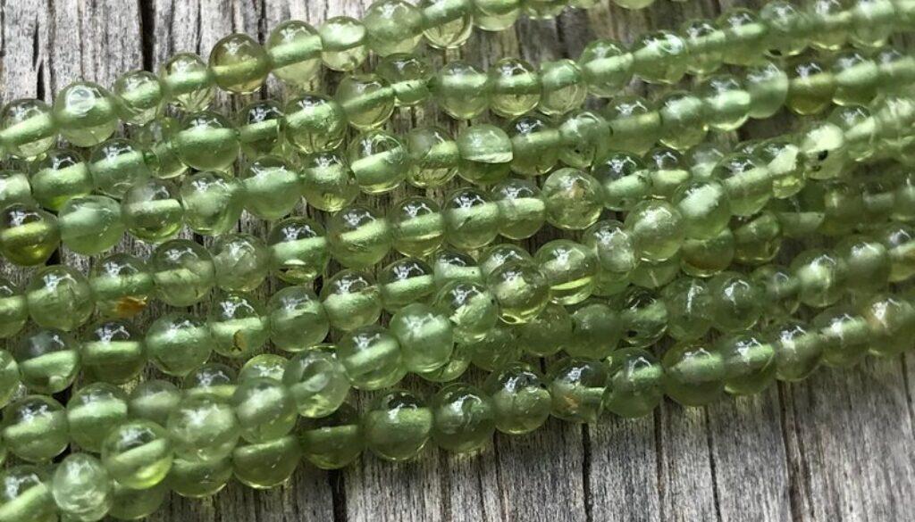 peridot-beads